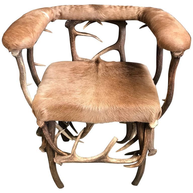Charmant Antler Chair With Ecuadorian Cowhide