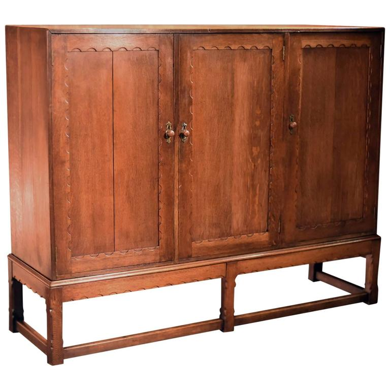 Arts & Crafts Oak Larder Antique Cabinet, circa 1900 For Sale - Arts And Crafts Oak Larder Antique Cabinet, Circa 1900 For Sale At