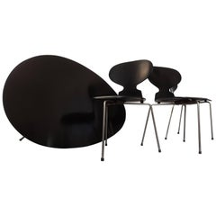 """Arne Jacobsen Egg Table and Four """"Ant"""" Chairs for Fritz Hansen"""