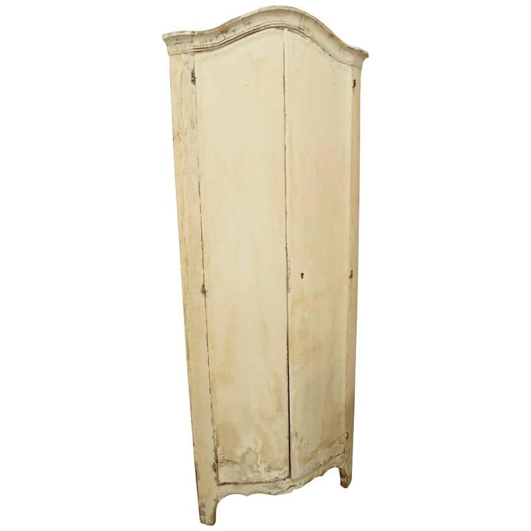 18th Century Italian Rococo Style Plaster Painted Creamy White Corner Cabinet