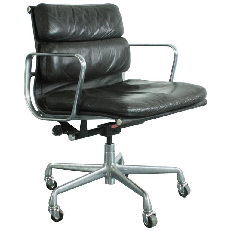 Vintage Dark Brown Leather Eames Herman Miller Soft Pad Aluminium Group  Chair