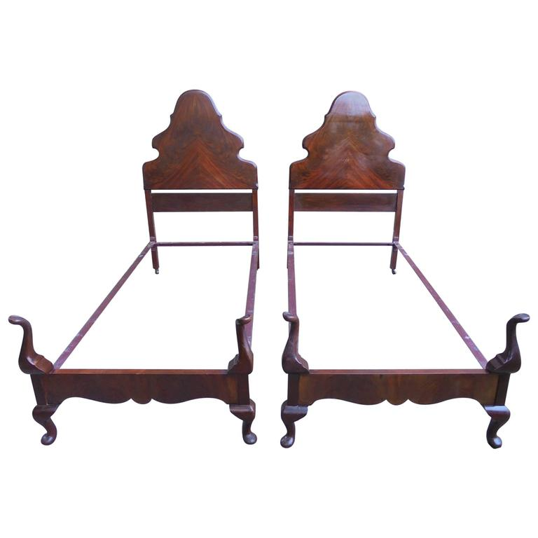 Pair of 1920s queen anne style mahogany single bed frames for Queen anne style bed