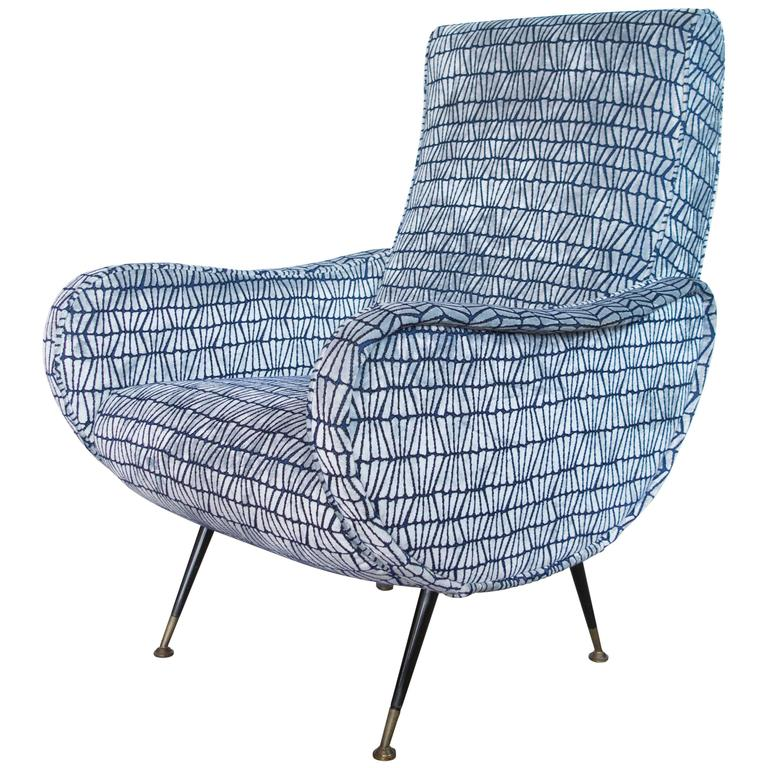 Italian Mid-Century Lounge Chair with Metal Legs in the Style of Marco Zanuso