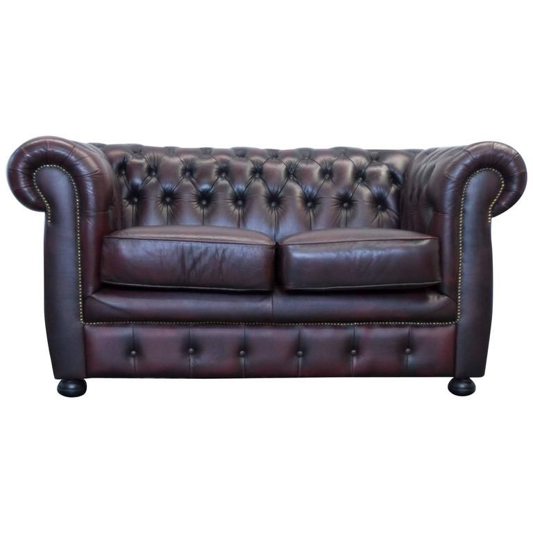 Chesterfield möbel  Red Leather Chesterfield Three-Seat Sofa by Möbel Art For Sale at ...