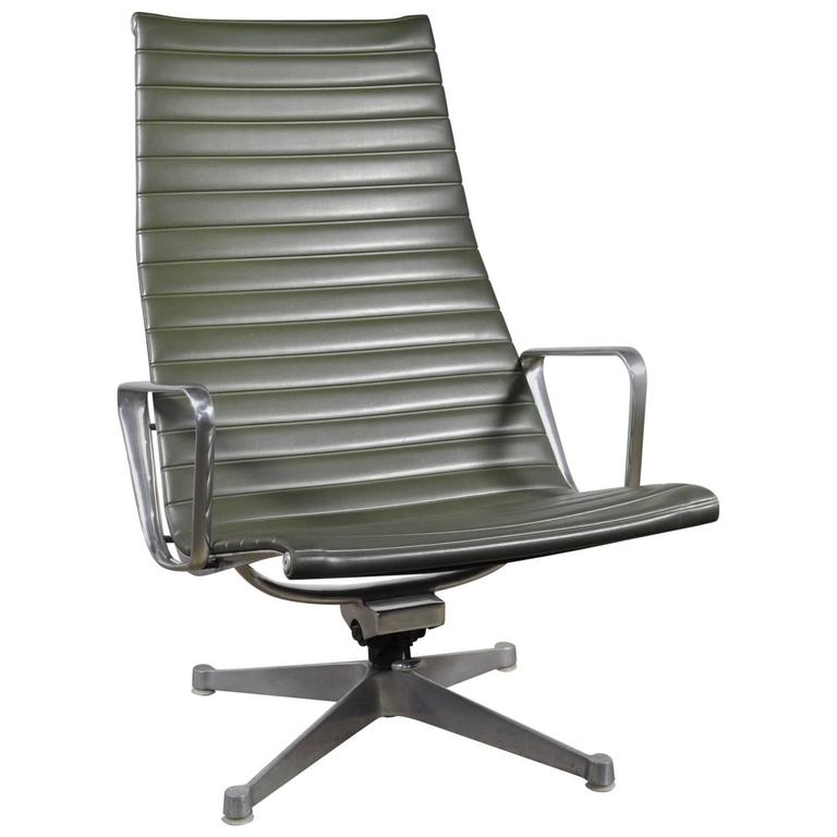 Green Leather Eames Aluminium Group Lounge Chair