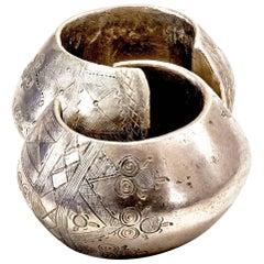 Pair of African Wedding Bracelet in Solid Bronze