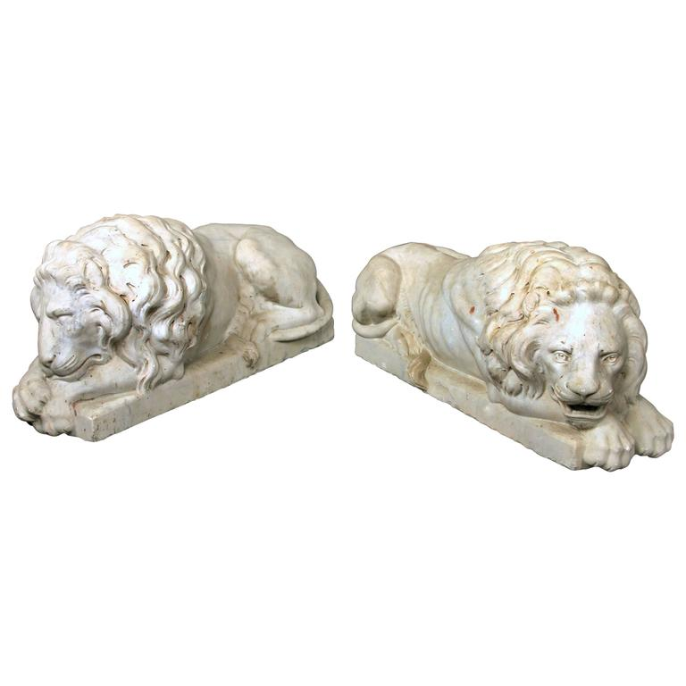 Nice Pair of Early 20th Century Large White Marble Recumbent Lions