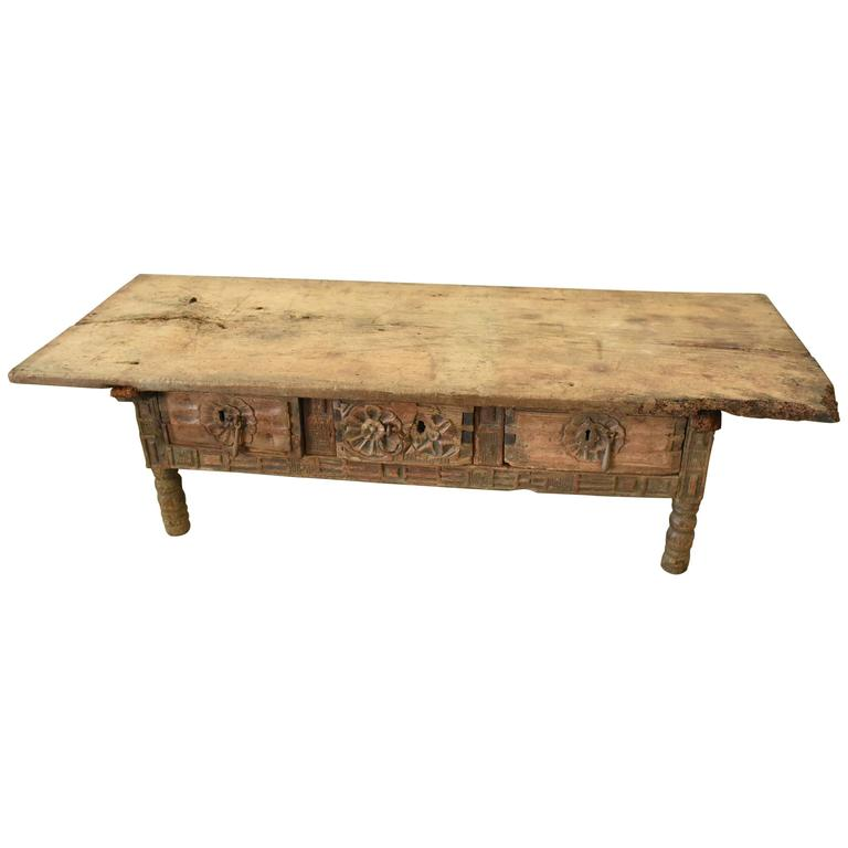 17th Century Spanish Chestnut Coffee Table With Single Board Top For