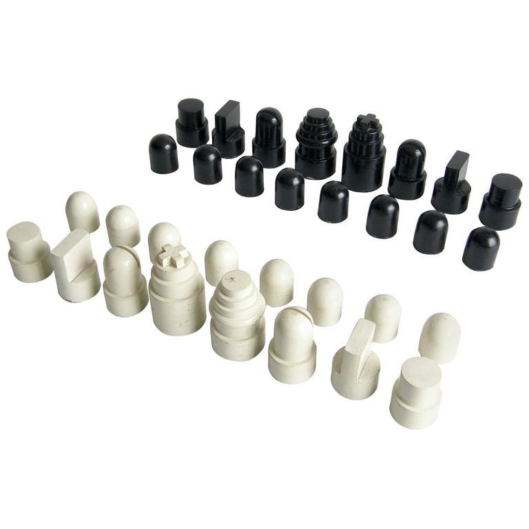 Allan Calhamer Chess Set 1