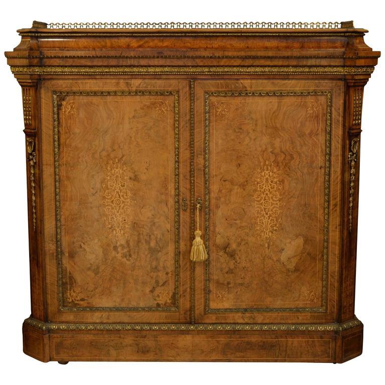 Quality Victorian Burr Walnut Cabinet