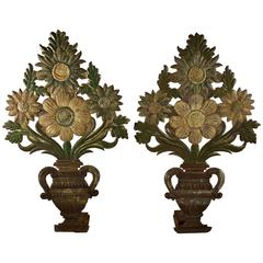 Early 19th Century Continental Tôle Peinte Shelf Fillers, Bouquets in Urns, S/2