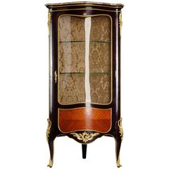 20th Century French Corner Vitrine in the Style of Louis XV Bois-Satine veneer