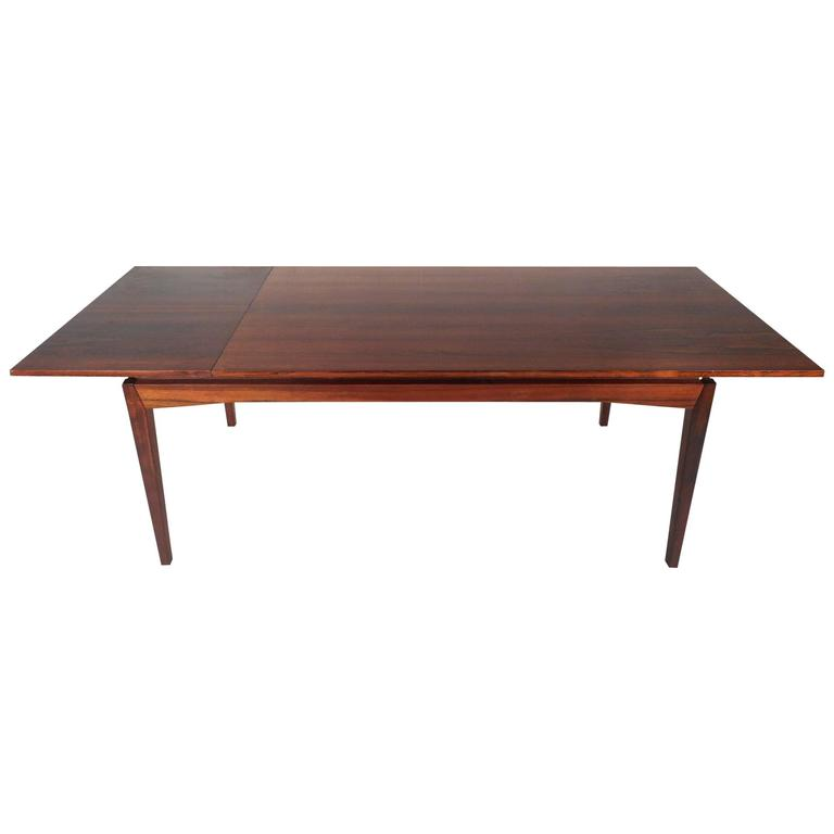 Mid-Century Modern Rosewood Dining Table in the Style of Johannes Andersen