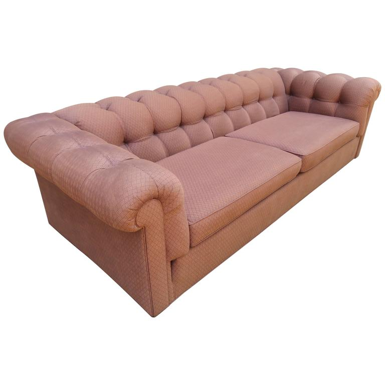 handsome mid century modern dunbar style chesterfield tufted sofa for sale at 1stdibs. Black Bedroom Furniture Sets. Home Design Ideas