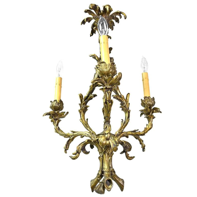 Early 20th Century, French Rococo Style Three-Light Chandelier in Bronze Doré