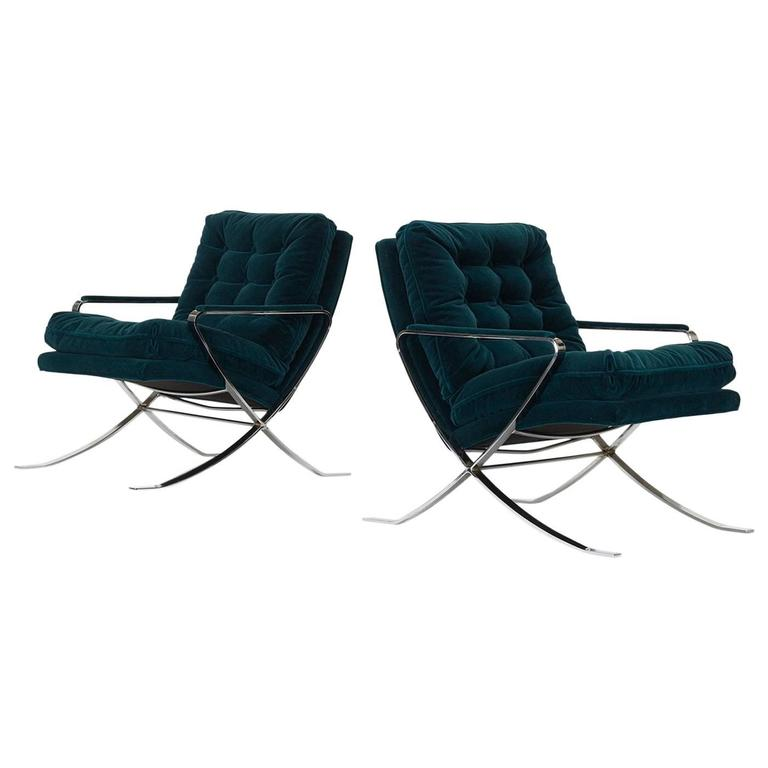 Pair of Lounge Chairs by Bernhardt Furniture Co For Sale