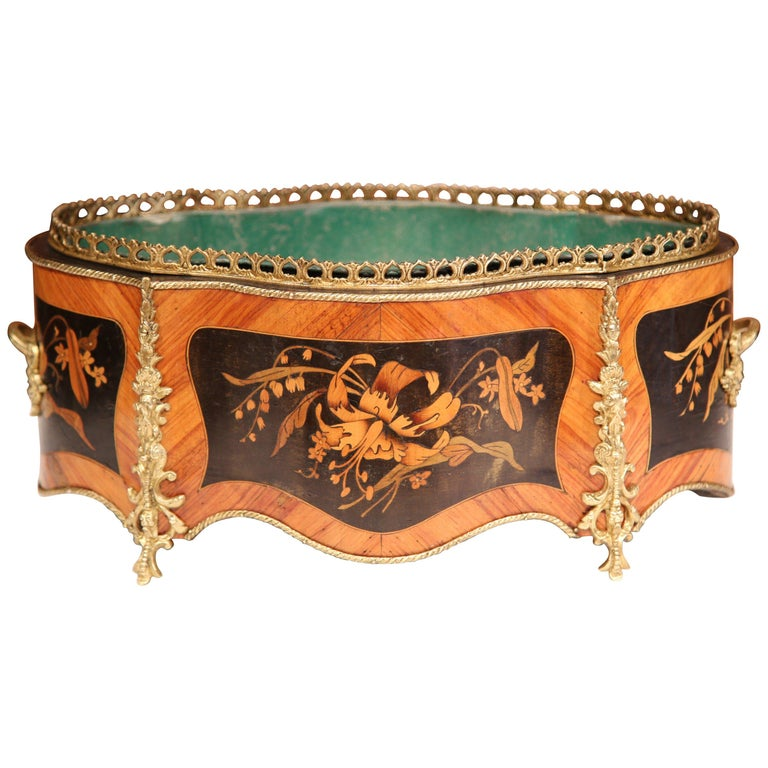 19th Century French Oval Rosewood Jardinière with Marquetry and Bronze Mounts For Sale