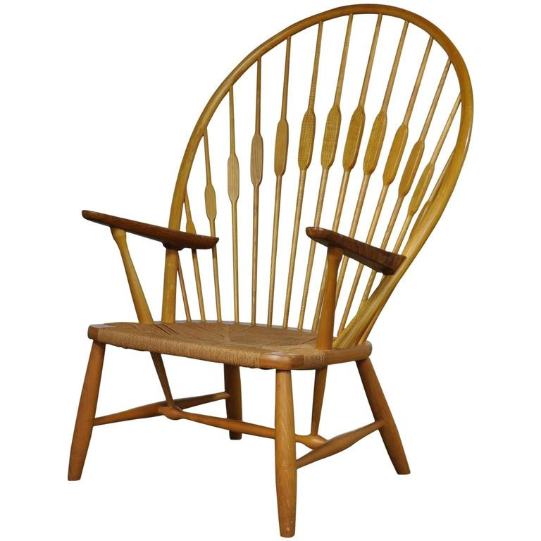 Hans Wegner Peacock Chair Manufactured by Johannes Hansen in Oak and Paper Cord
