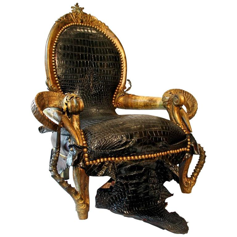 Merveilleux Black Crocodile Armchair With Alligator Skin And Zebu Horns