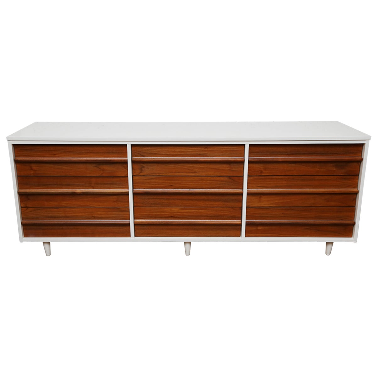 Vic Art Credenza in Natural and White Lacquer, 1960s, USA