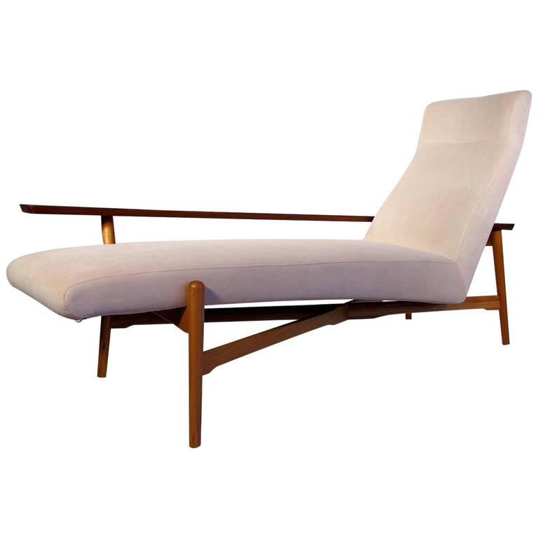 Tateishi Shoiji Oak And Walnut Chaise Longue With Cream Colored Upholstery For