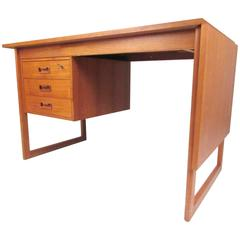 Danish Modern Drop-Leaf Teak Desk in the Style of Arne Vodder