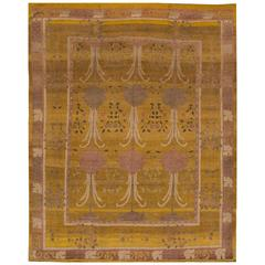 Beautiful Decorated Arts and Crafts Style Rug