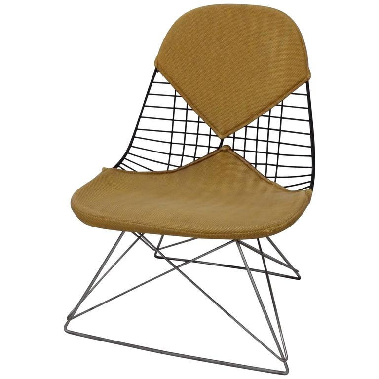 early and original charles and ray eames lkr chair on zinc cats cradle base for sale at 1stdibs. Black Bedroom Furniture Sets. Home Design Ideas