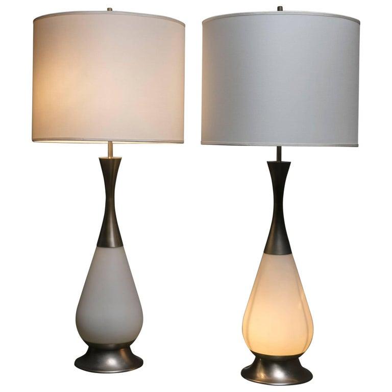 Marvellous Pair of Stilnovo Table Lamps For Sale