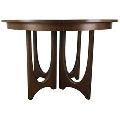 Mid-Century Modern Expandable Walnut Sculptural Dining Table Broyhill Brasilia