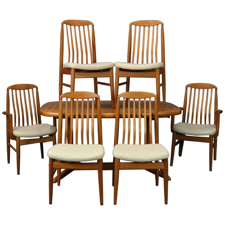 Mid Century Danish Modern Dining Room Set, Table And Six