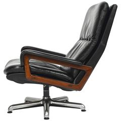 Strassle King Swivel Chair in Black Leather by Andre Vandenbeuck