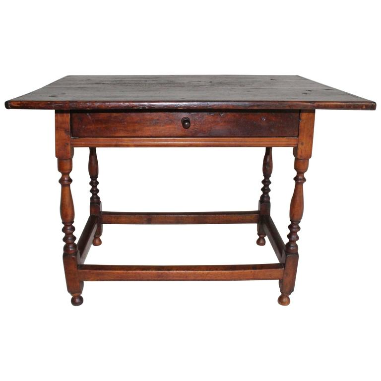 18th Century American Oak Tavern Table For Sale