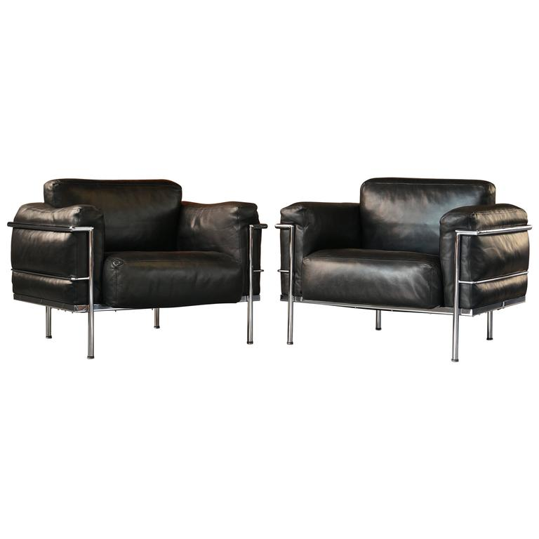pair of vintage leather le corbusier grand confort lc3 lounge chairs or armchair at 1stdibs. Black Bedroom Furniture Sets. Home Design Ideas