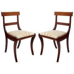 Pair of Early 20th Century Regency Mahogany Klismos Chairs in Gold Damask