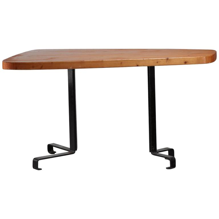 charlotte perriand free form table from les arcs france 1960s for sale at 1stdibs. Black Bedroom Furniture Sets. Home Design Ideas