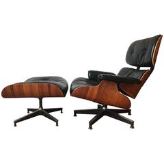 Near Mint Condition 1960s Herman Miller Eames Lounge Chair and Ottoman