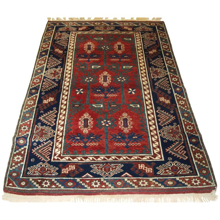 Old Turkish Dosemealti Rug Of The Traditional Design For
