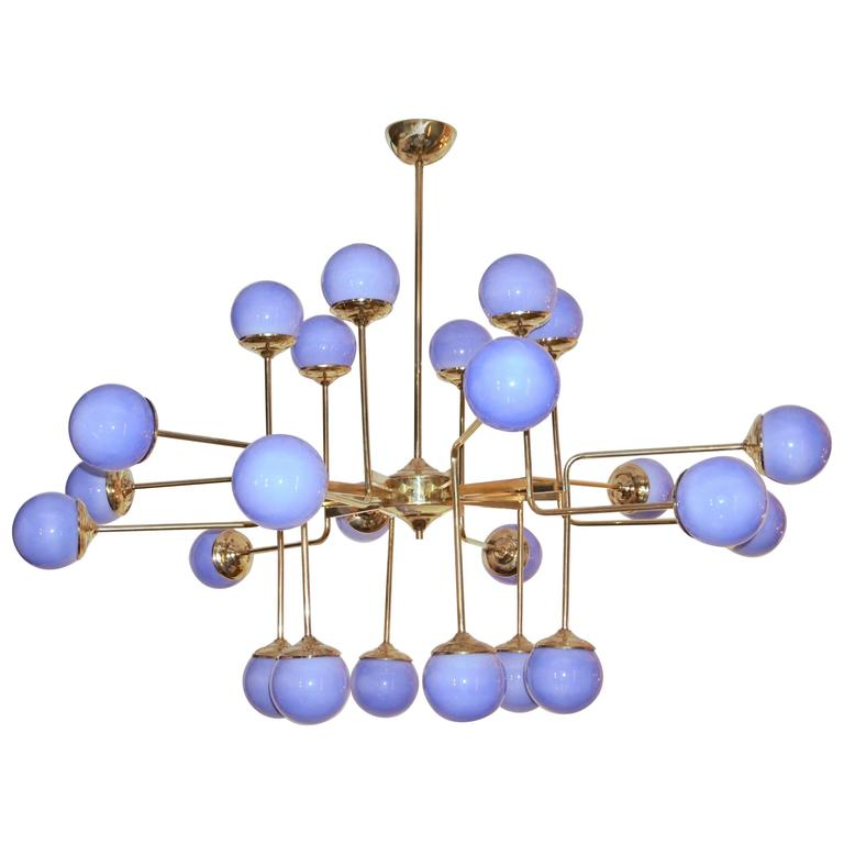 Italian Modern 24-Light Brass and Lavender Periwinkle Murano Glass Chandelier For Sale