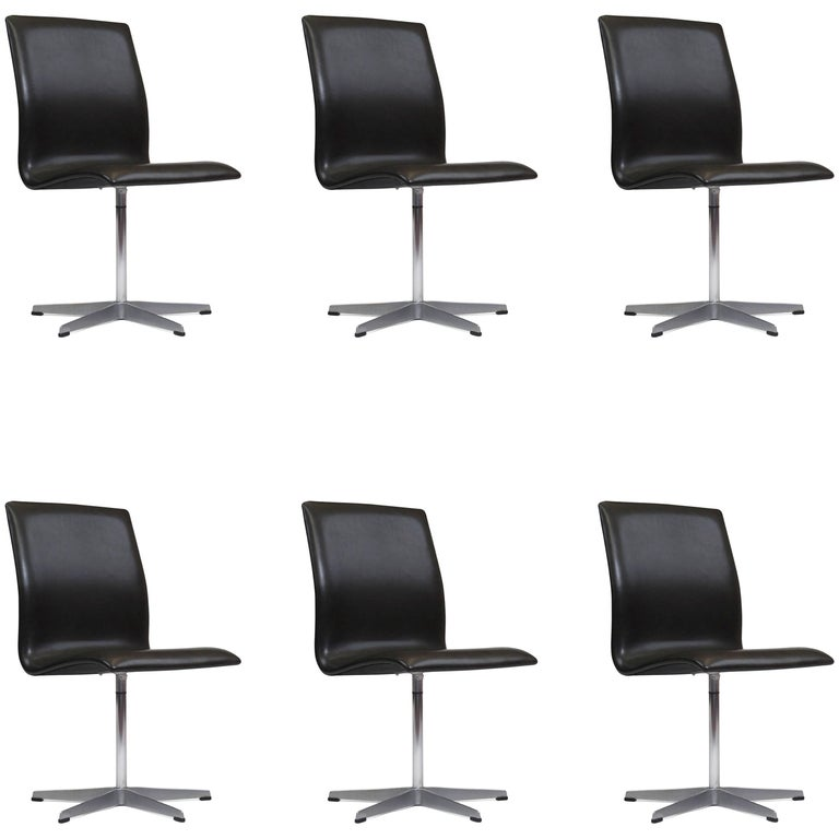 Six Arne Jacobsen for Fritz Hansen Oxford Chairs in Black Leather
