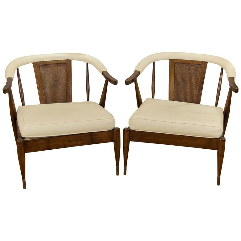 Pair of Low-Slung Lounge Chairs in the Style of Probber 1