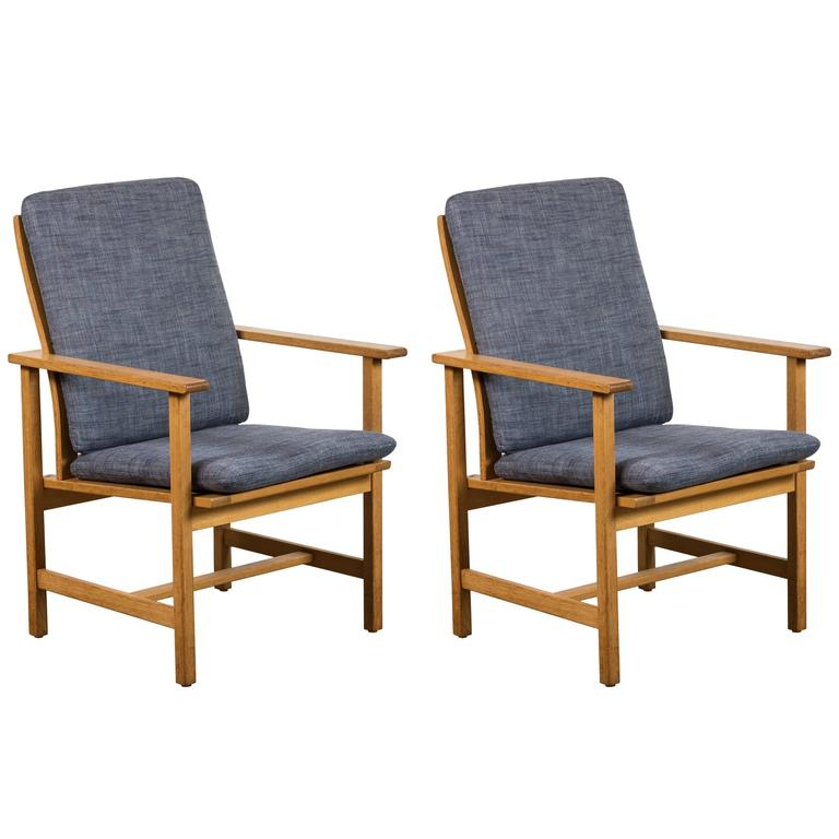 Pair of Danish Oak Lounge Chairs by Børge Mogensen for Fredericia Stolefabrik 1