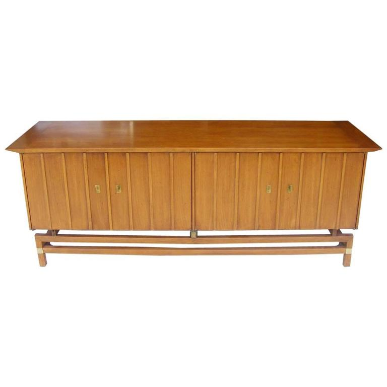 Gentil Vintage Mid Century Credenza Buffet Hickory Furniture For Sale