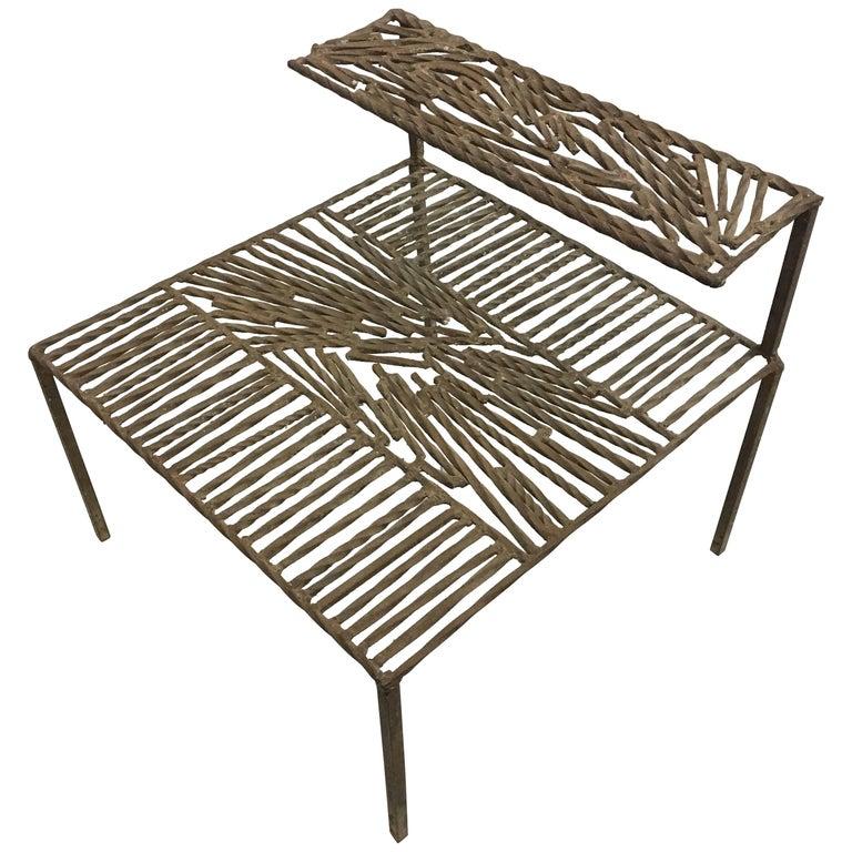Italian 'Arte Povera' / Post-Minimalist Wrought Iron Sculpture or Side Table For Sale