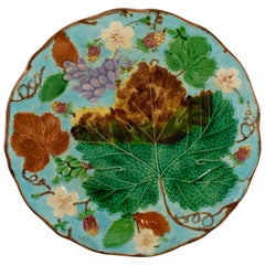 Wedgwood Majolica Turquoise Grape Leaf and Strawberry Plate, circa 1880