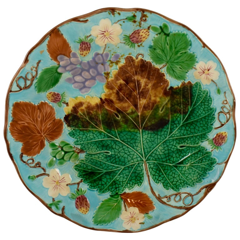 Wedgwood Majolica Turquoise Grape Leaf and Strawberry Plate, circa 1880 For Sale