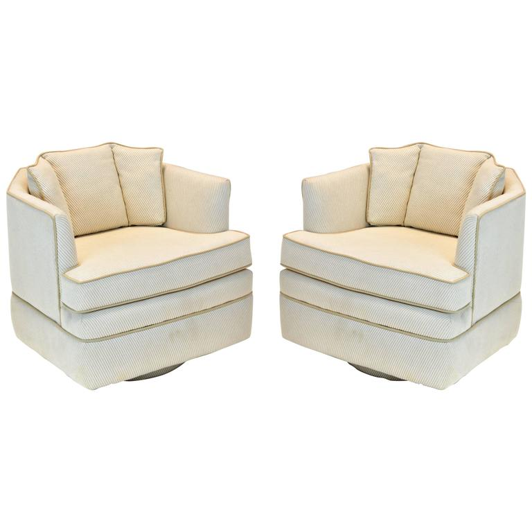 Pair of 1970s Mid-Century Modern Swivel Chairs