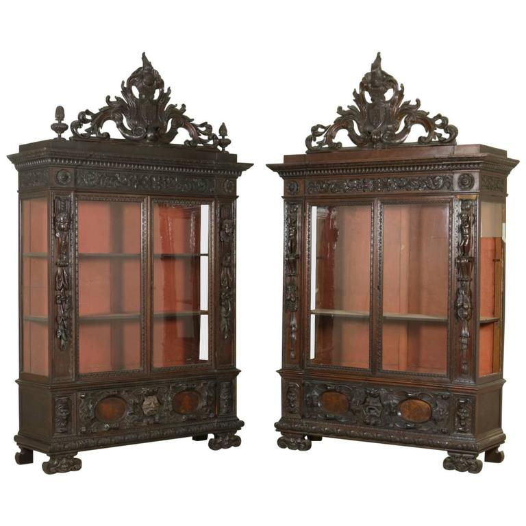 Pair of Late 19th Century Neo-Renaissance Walnut Bookcases For Sale