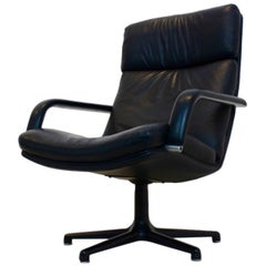 Perfect Original Artifort Swivel Lounge Chair F141 by Geoffrey Harcourt
