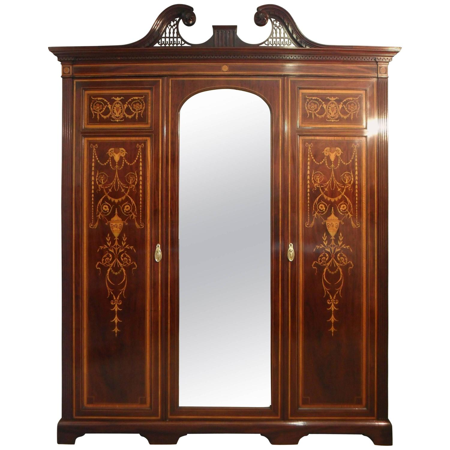 mahogany wardrobes and armoires - 96 for sale at 1stdibs